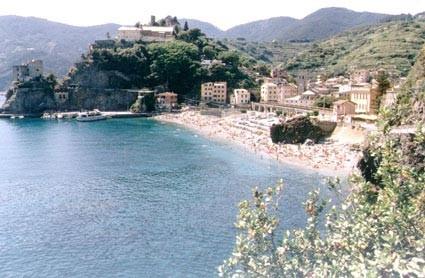 spiaggia monterosso 1.jpg